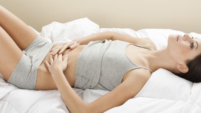 Режущая боль в желудке после еды